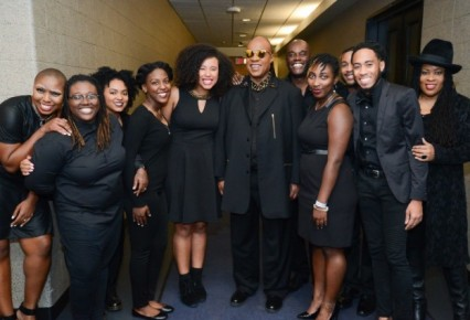 That's Stevie Wonder in the middle, with Elisha Wright and Murjanatu Mutuwa to his immediate right and RaeNosa Hudnell and Jeremy Washington to his left.